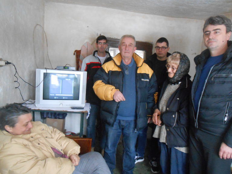 SNS Blace pomoc za porodicu Kovacevic iz Donje Draguse