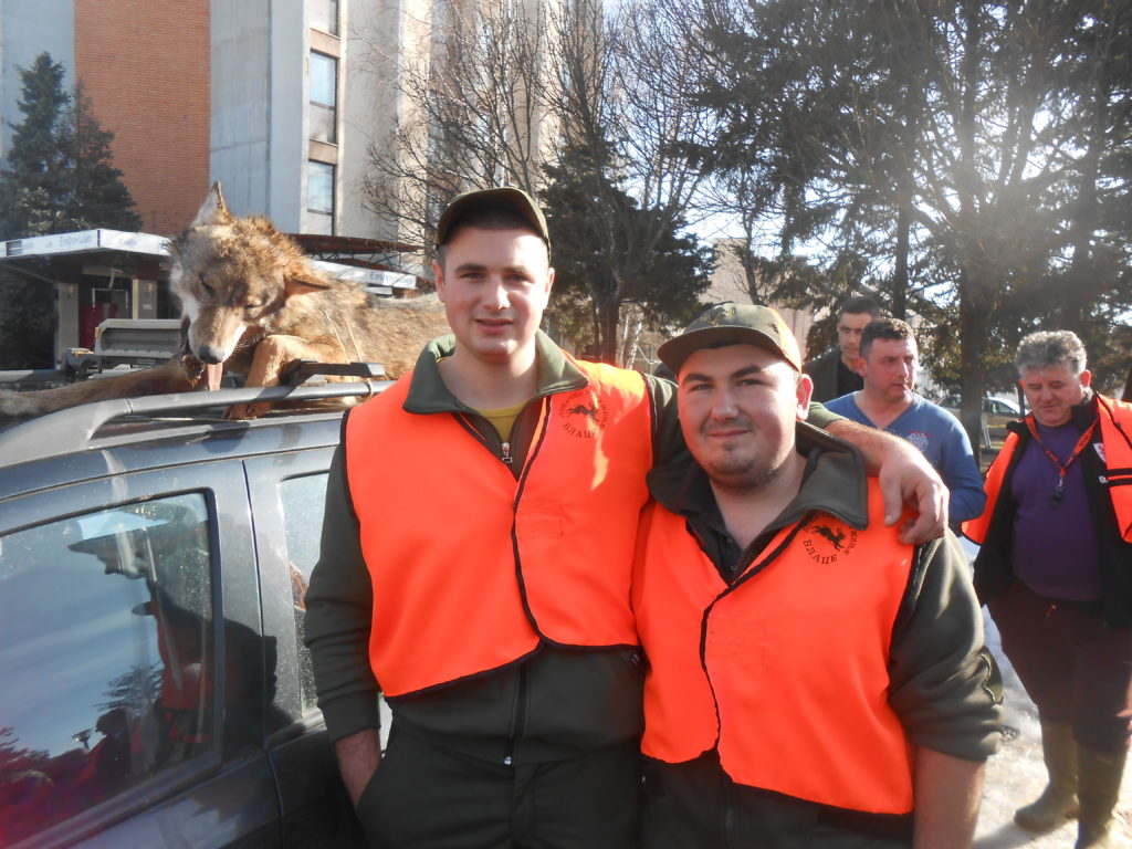 Rakic Aleksandar i Stefan Milicevic iz Naupara - odstrelili vuka