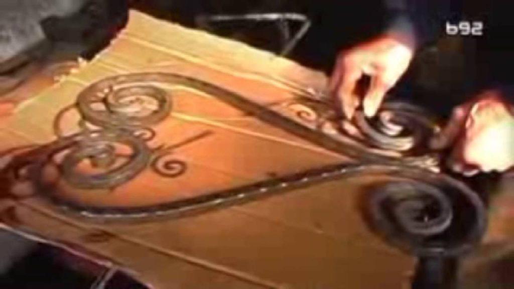 Najstariji kovač u Srbiji koji još uvek radi – Gvožđe kovao na živoj vatri